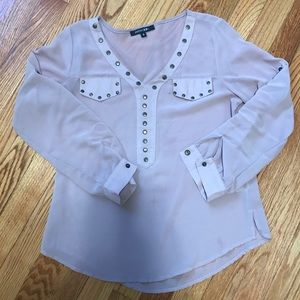 Nude blouse with cute detail